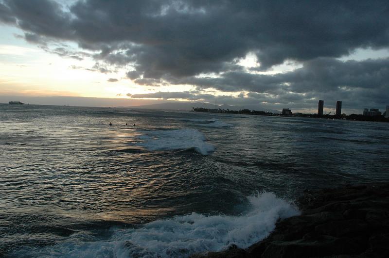 Hawaii - Ala Moana Beach Sunset-78.JPG