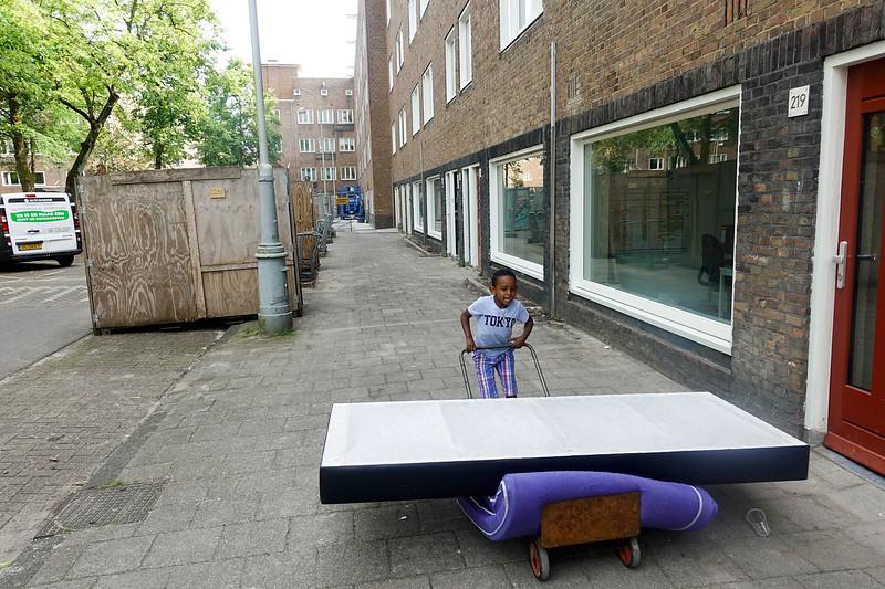 Nederland, Amsterdam, 09-06-2018, blok woningen van Rochdale dat gerenoveerd is of geronoveerd gaat worden, foto: Katrien mulder