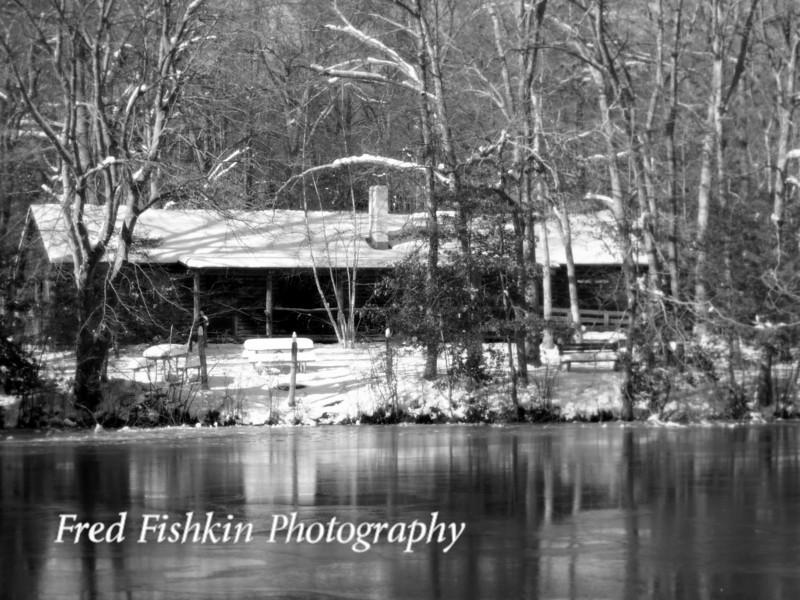 cabin snow bw.jpg