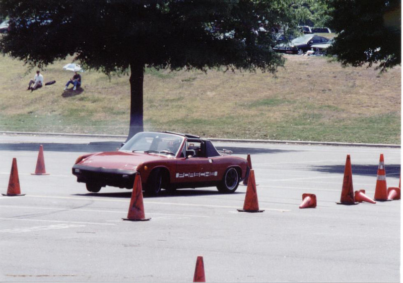 The Porsche 914 lifts a tire