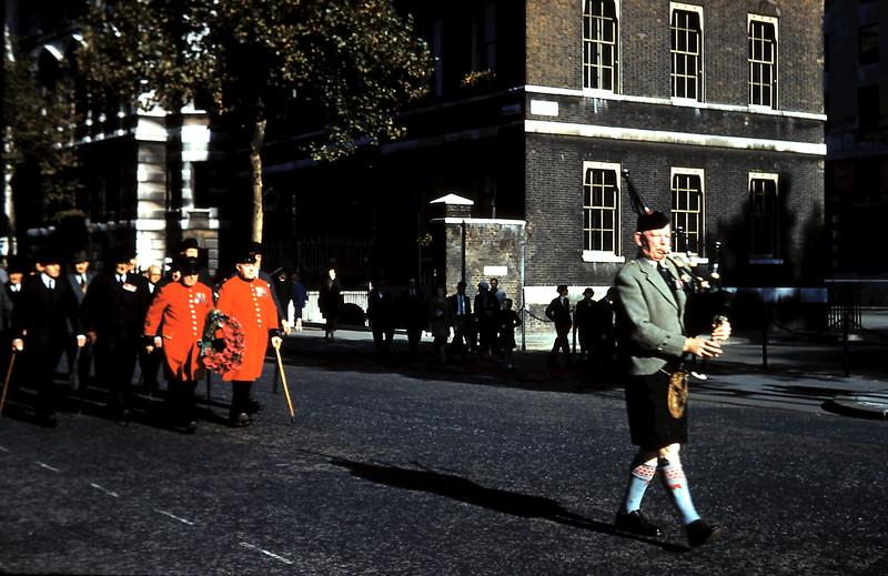 1959-10-25 (15) Chelsea pensioers & Scots piper in Whitehall, London.JPG