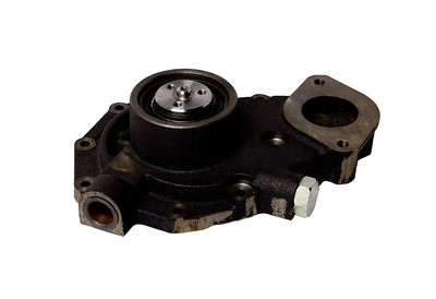 JOHN DEERE WATER PUMP RE500734