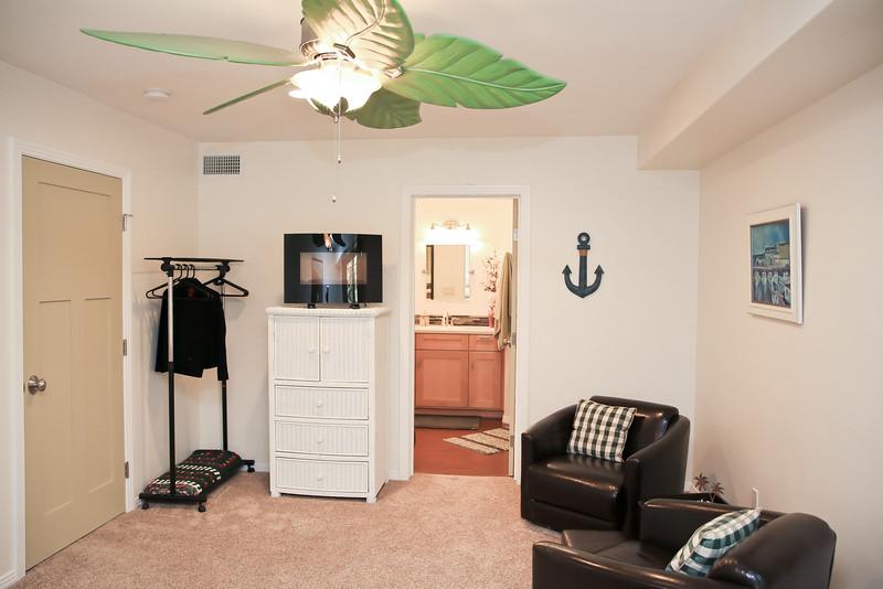Rental Unit Downstairs-2820.jpg
