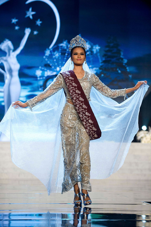 . Miss Philippines Janine Tugonon performs onstage at the 2012 Miss Universe National Costume Show at PH Live in Las Vegas, Nevada December 14, 2012. The 89 Miss Universe Contestants will compete for the Diamond Nexus Crown on December 19, 2012. REUTERS/Darren Decker/Miss Universe Organization/Handout