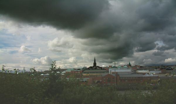 Derry - Threatening clouds