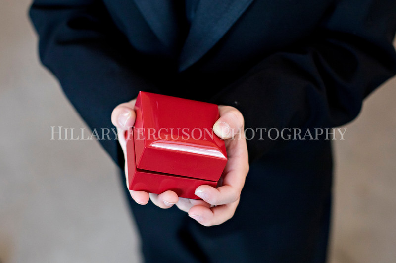 Hillary_Ferguson_Photography_Melinda+Derek_Getting_Ready223.jpg