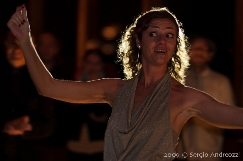 Gold Milonga: Angi dancing chacarera