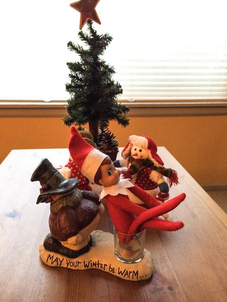 2014.12.03 - Ellken, the elf on a shelf