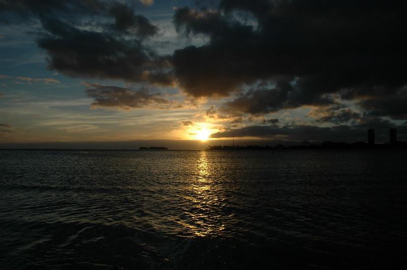 Hawaii - Ala Moana Beach Sunset-40.JPG