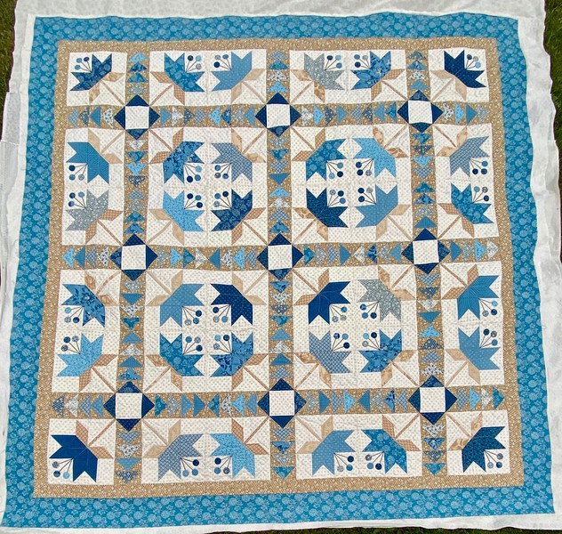 Coastal Lily pieced by Carol Meyers