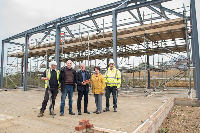 Laying of the first brick @ Abingworth Meadows, Storrington Road, Thakeham RH20 3EJ Thursday 19th October 2017 L-R Mike Lenton, project manager at Oakford Homes Alan Hunt, chairman of Thakeham Parish Council Brendon Schooling, site manager at Abingworth Meadows for Oakford Homes  Photography by Sophie Ward Photography