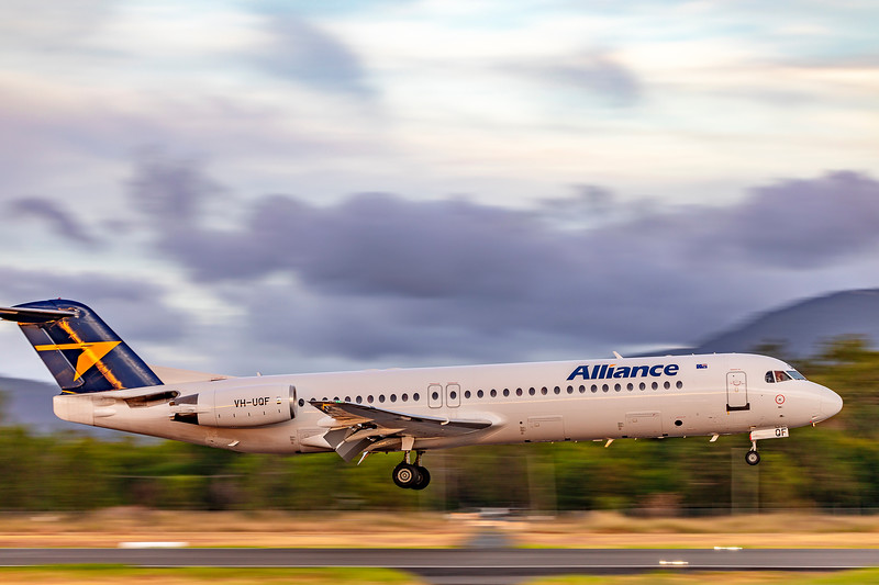 Alliance Airlines Fokker F100 VH-UQF landing at Rockhampton Airport 07-03-2019.