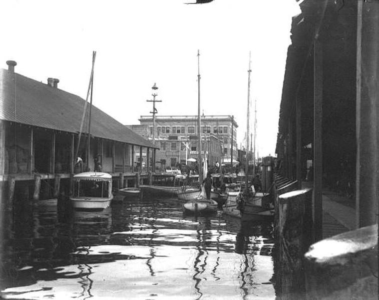 Market - 1900 to 1915.jpg