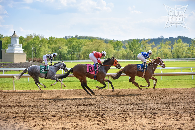 Kentucky Derby Day 2015 - Belterra Park - LouisvillePhotographer.com-13.jpg