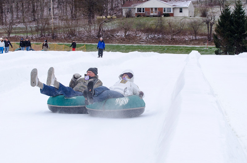 Opening-Day-Tubing-2014_Snow-Trails-70962.jpg