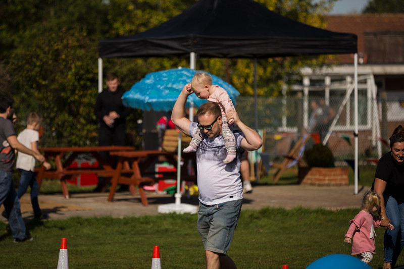 bensavellphotography_lloyds_clinical_homecare_family_fun_day_event_photography (135 of 405).jpg