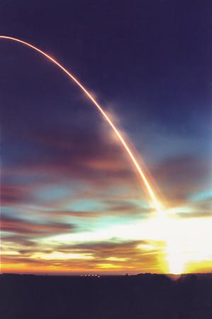 Boeing Delta II launches Iridium MS-5 from Vandenberg AFB. CA. 11-09-1997