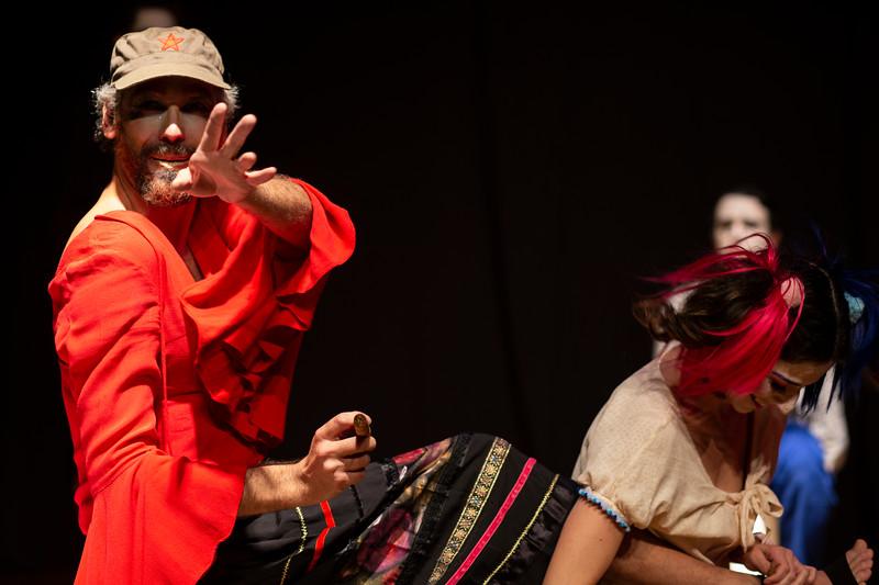 Allan Bravos - essenCIA Teatro - Persona 07-375.jpg