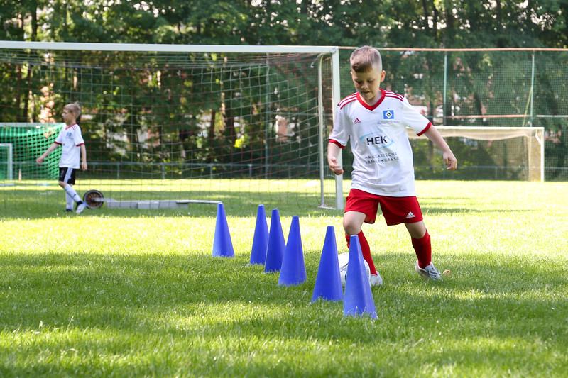 hsv_fussballschule-195_48047946146_o.jpg