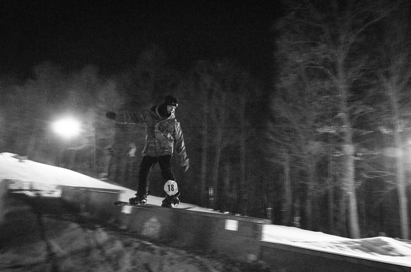 Nighttime-Rail-Jam_Snow-Trails-114.jpg