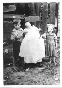Lee, Walter and Doris Lindzy, about 1902