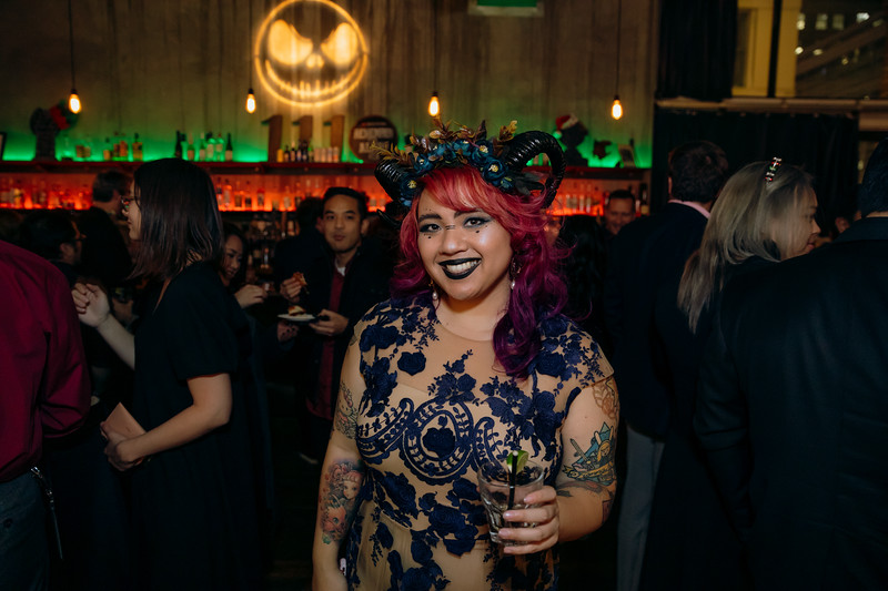 2019-12-06_OhSnapVisuals_CrunchyRoll_HolidayParty_CARD2_0031.jpg