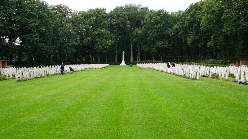 Oct 1st - Nijmegen & Tour of the Arnhem Airborne Museum