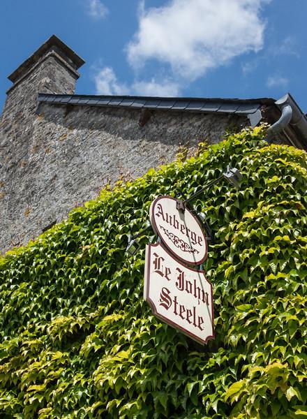 An inn en route to the parade head