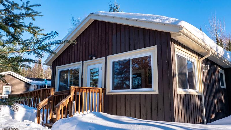 Sleeping-Giant-Provincial-Park-Cabin-01.jpg