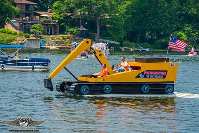 Portage Lakes Boat Parade 2018   Main St