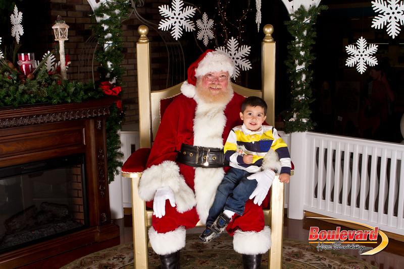 Santa Dec 15-134.jpg