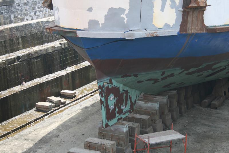 2008 - F/B CITTA' DI CAPRI in dry dock in Napoli. Bow rudder.