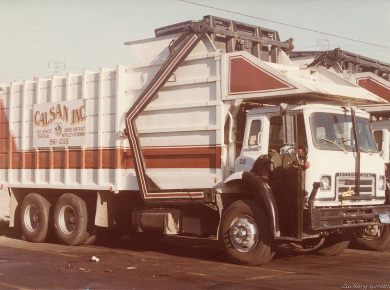 1975 International C&O Half Pack Front Loader