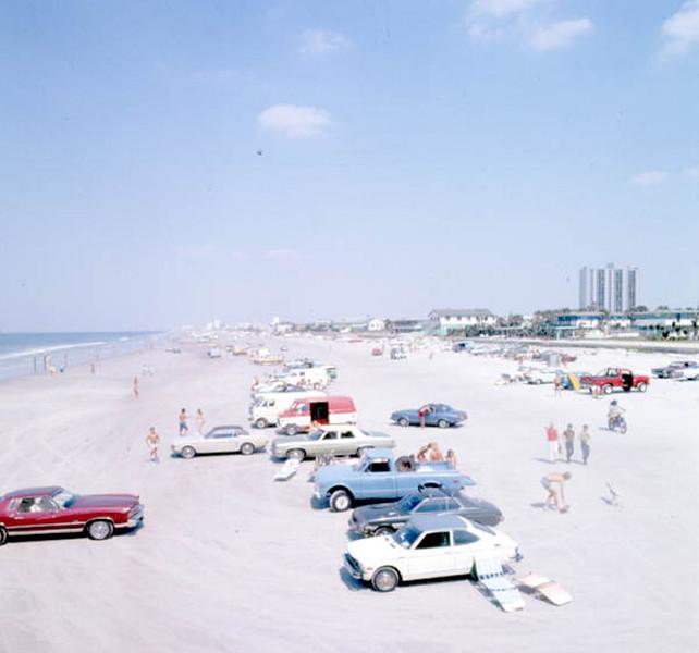 1976-parked cars.jpg