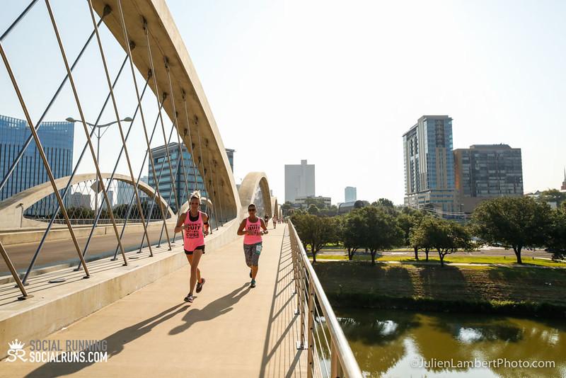 Fort Worth-Social Running_917-0202.jpg