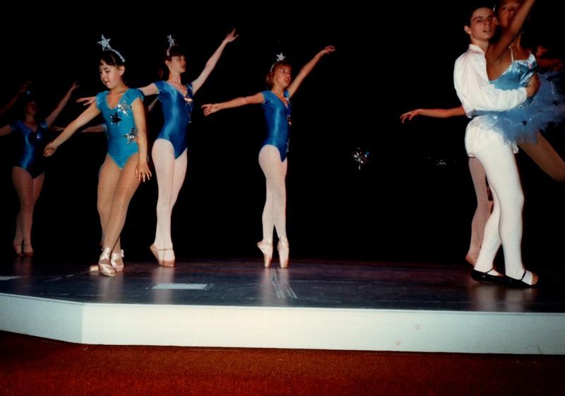 Dance_0014_b.jpg