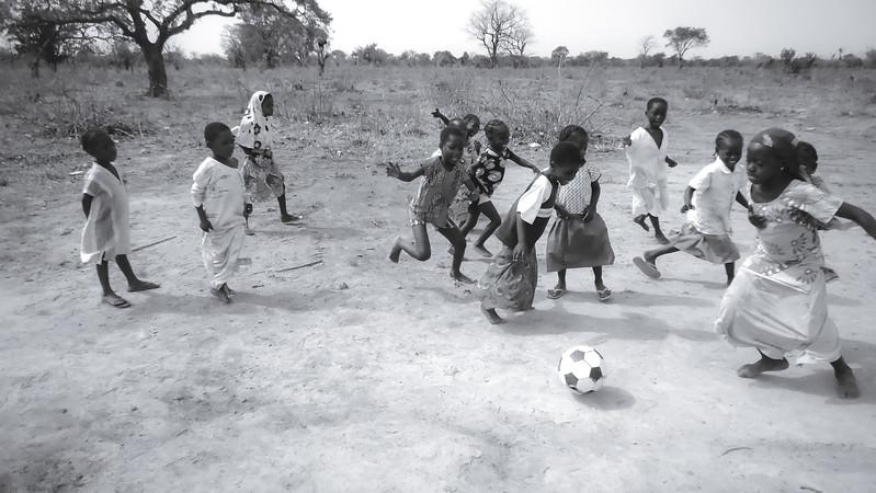 NBS soccer girls 2014-2.jpg