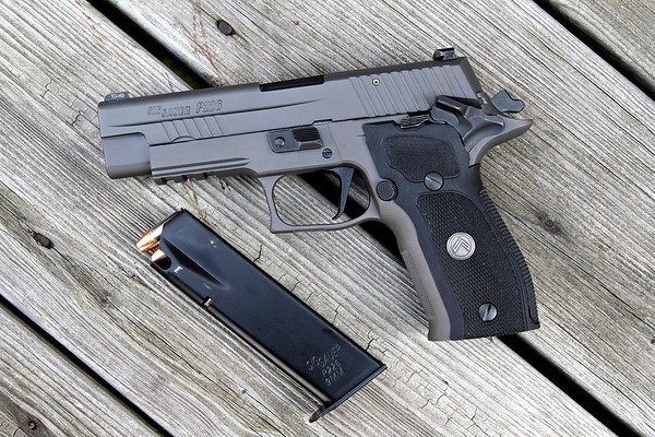 Sig P226 Legion SAO