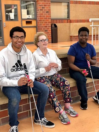 Summer school students bond with Alzheimer's patients, learn lessons beyond the classroom