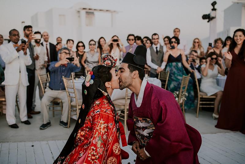 Tu-Nguyen-Destination-Wedding-Photographer-Santorini-Rocabella-Hotel-Euna-Ehsan-671.jpg