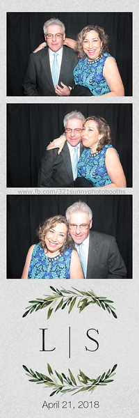 ELP0421 Lauren & Stephen wedding photobooth 6.jpg