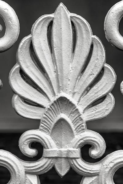 fleur de lys detail