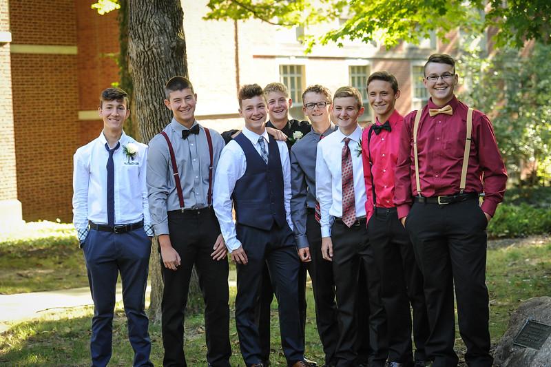 9-29-18 Bluffton HS Homecoming - Eden Nygaard and friends - 10th grade (Class of 2021)-13.jpg