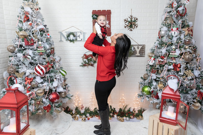 12.24.19 - Adriana's Christmas Photo Session 2019 - -43.jpg
