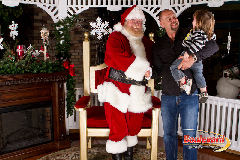 Santa Dec 8-214.jpg