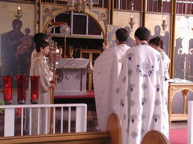 2006-08-13-Fr-Radus-First-Sunday_002.jpg