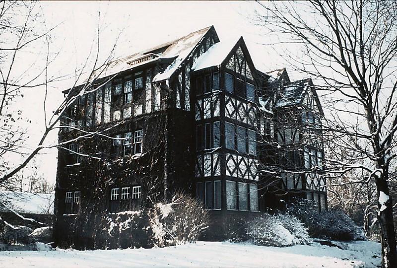 Elm Apartments