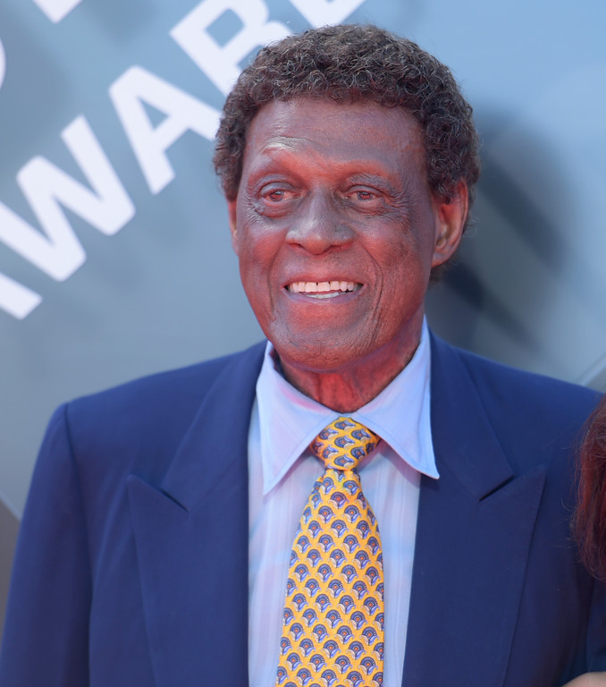 . Elgin Baylor arrives at the NBA Awards on Monday, June 25, 2018, at the Barker Hangar in Santa Monica, Calif. (Photo by Richard Shotwell/Invision/AP)