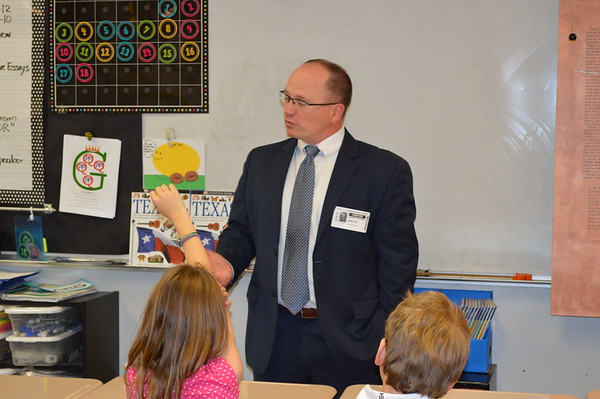 3rd Grade Visit with State Representative Kenneth Sheets