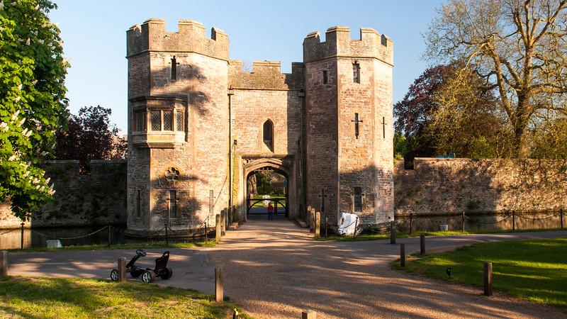 Bishop's Palace gatehouse, Wells